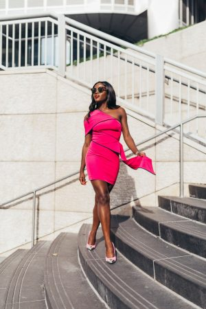 Jennifer Ibe, Pink dress