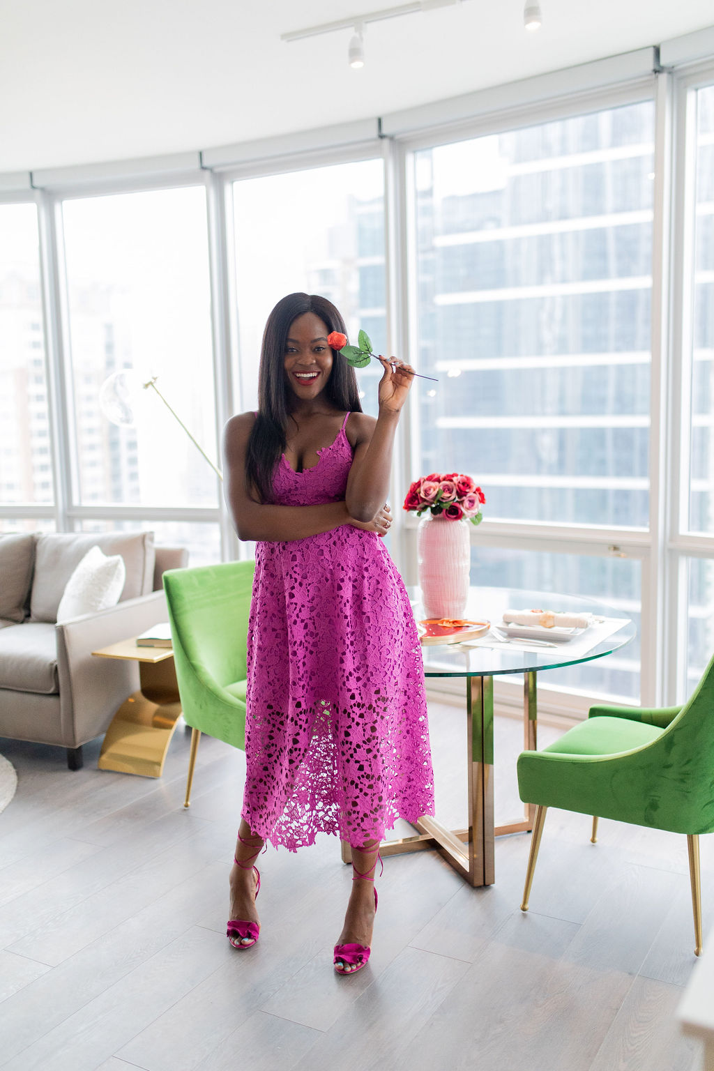 How to throw a Galentine's day party and what to wear