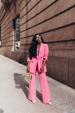 How to wear a pink pant suit