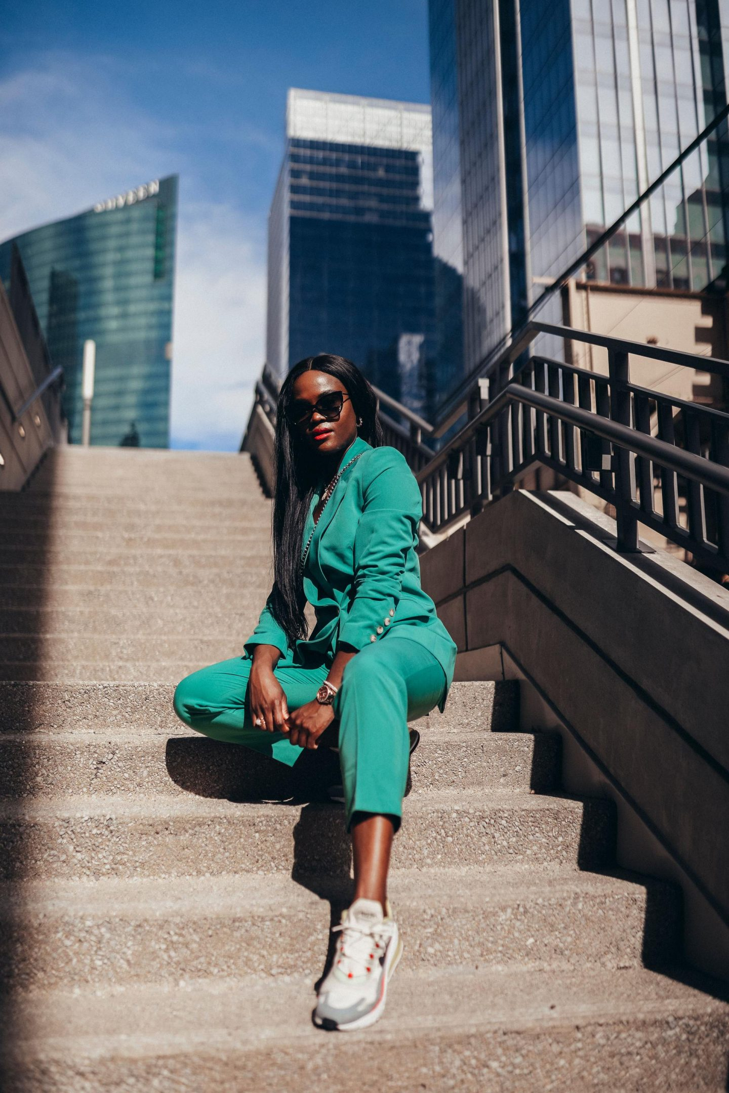 How to rock any outfit like a pro : Power suit and sneakers